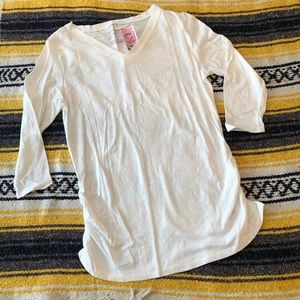 🛍 White Maternity Top NWT
